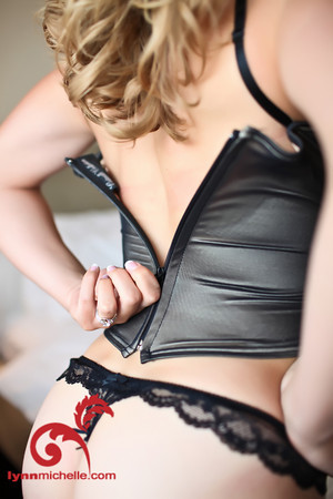 sizzling boudoir photography in Dallas